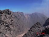 Jalur lava turun ke arah selatan - dilihat dari atas