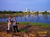 Tawau - Wong Tsu Shi and Winston Tai at Kampung Ice Box, Tawau, shooting Egrets