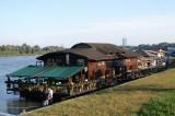 Floating restaurants 1