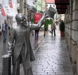 Schoner Naci Statue