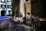The bicycle and the alley