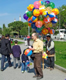 Turkey - Istanbul - A successful ballon seller