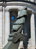 la statue et l'oeil bleu