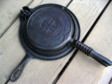 Griswold #8 Waffle Iron with wood handles