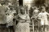 Julia Ann Warden Coon (1864-1958)  with grandchildren and great-grandchildren