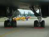 B1 main landing gear