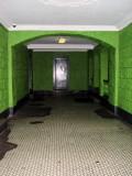 Inside. Look at the original tiling. COPYRIGHT PAT MORGAN 2007