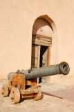 Cannon at the gate to the fort, Nizwa