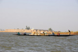 Setting off from Mopti, there is lots of other river traffic