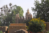 Another village along the south bank of the Niger with a nice mudbrick mosque
