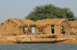 Niger River village, getting close to our destination Konna now