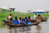 Boatload of kids, Ganvié, Lac Nakoué, Bénin
