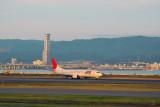 JTA Japan Transocean Air Boeing 737 at KIX (JA8525)