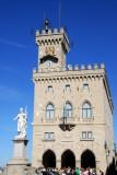 Piazza della Libertà, Palazzo Pubblico