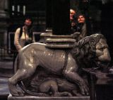 Poor camera exposure - lion on pulpit by Pisano