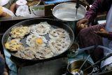 Thailand Amphawa floating market 2006