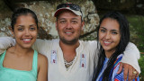 The world champion Coleo with his 2 nieces..