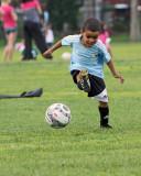 soccer_2013 06 26_0124_troy et le ballon-800.jpg