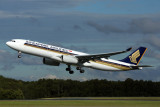 SINGAPORE AIRLINES AIRBUS A330 300 BNE RF 5K5A9765.jpg