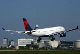 DELTA AIRBUS A330 200 AMS RF 5K5A1922.jpg