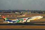 SOUTH AFRICAN AIRBUS A340 300 JNB RF 5K5A3118.jpg