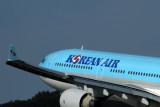 KOREAN AIR AIRBUS A330 300 FUK RF IMG_0823.jpg