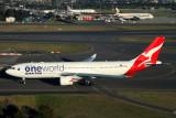 QANTAS AIRBUS A330 200 SYD RF IMG_9978.jpg
