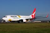 QANTAS BOEING 737 800 SYD RF IMG_5681.jpg