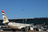 ETIHAD AIRBUS A330 200 BNE RF IMG_0097.jpg