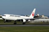 JAPAN AIRLINES BOEING 767 300 ITM RF 5K5A5866.jpg
