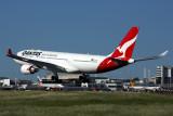 QANTAS AIRBUS A330 200 MEL RF 5K5A6301.jpg
