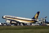 SINGAPORE AIRLINES AIRBUS A330 300 MEL RF 5K5A6420.jpg