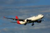 QANTAS AIRBUS A330 300 MEL RF 5K5A6463.jpg