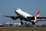 QANTAS AIRBUS A330 200 PER RF 5K5A7093.jpg