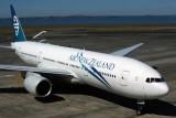 AIR NEW ZEALAND BOEING 777 200 AKL RF 5K5A0217.jpg