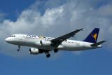AIR ONE AIRBUS A320 LGW RF 5K5A1257.jpg