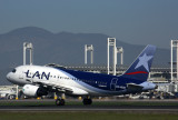 LAN AIRBUS A319 SCL RF 5K5A2626.jpg