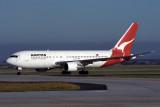 QANTAS BOEING 767 200 MEL RF 290 9.jpg