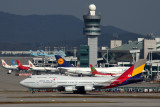 ASIANA AIRLINES BOEING 747 400 ICN RF 5K5A0076.jpg