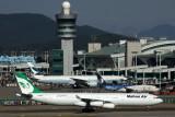 MAHAN AIR AIRBUS A340 300 ICN RF 5K5A0500.jpg