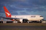 QANTAS BOEING 767 200 SYD RF 375 29.jpg