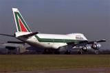 ALITALIA BOEING 747 200 SYD RF 390 7.jpg