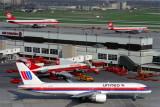 UNITED AIR CANADA AIRCRAFT YYZ RF 537 9.jpg