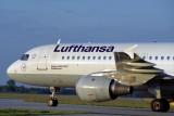 LUFTHANSA AIRBUS A320 MUC RF 1554 14.jpg