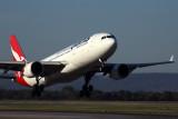 QANTAS AIRBUS A330 200 PER RF 5K5A9931.jpg