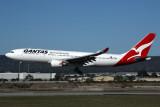 QANTAS AIRBUS A330 200 PER RF 5K5A0502.jpg