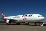 QANTAS AIRBUS A330 300 BNE RF IMG_8153.jpg
