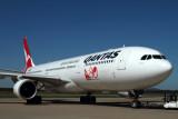 QANTAS AIRBUS A330 300 BNE RF IMG_8156.jpg