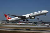 TURKISH AIRLINES BOEING 777 300ER IST RF 5K5A3076.jpg