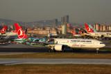 TURKISH AIRLINES BOEING 777 300ER IST RF 5K5A3372.jpg